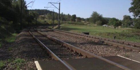 Nacistu 'zelta vilciena' mednieki sāk rakties aizgruvušā tunelī