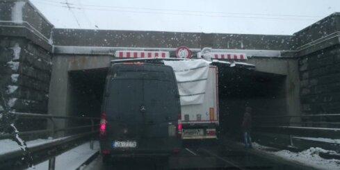 Neuzmanīgs šoferis no Baltkrievijas