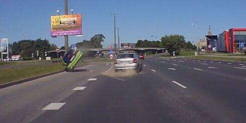 Smaga autoavārija uz Krasta ielas