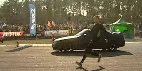 Sprinteris vs sacīkšu auto Biķerniekos