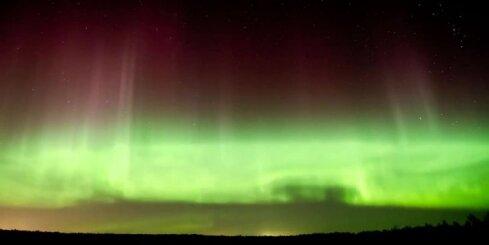 Latvijas debesis trešdien 'iekrāso' ziemeļblāzma