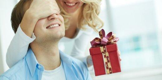 Kā pārsteigt vīrieti: Kāiepriecināt mīļoto ikdienā un svētkos