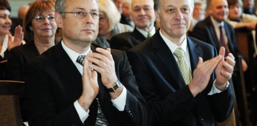 Šakars izstājas no 'Vienotības' un dibinās jaunu partiju 'Mūsu zeme - Latvija'