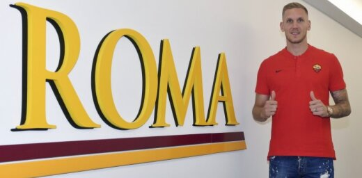 Zviedrijas izlases vārtsarga Olsena pāreja uz 'AS Roma' negaidīti aplaimo astotās līgas futbola klubu