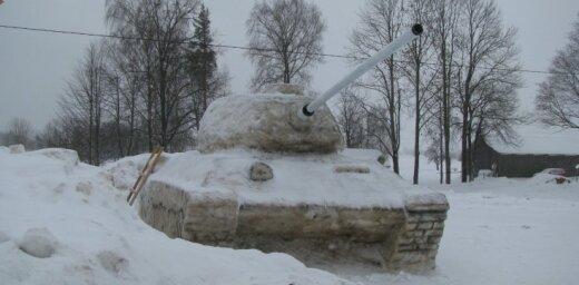 200 kilometrus no Rīgas pamanīts krievu tanks
