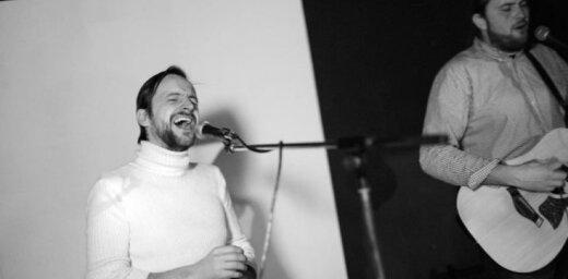 Noklausies! Duets 'Čipsis un Dullais' un Alise Joste publicē dziesmu ar Aspazijas vārdiem