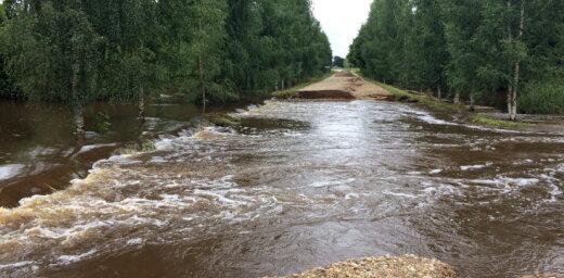 ЕК выделит деньги на помощь пострадавшим от ливней крестьянам в Балтии