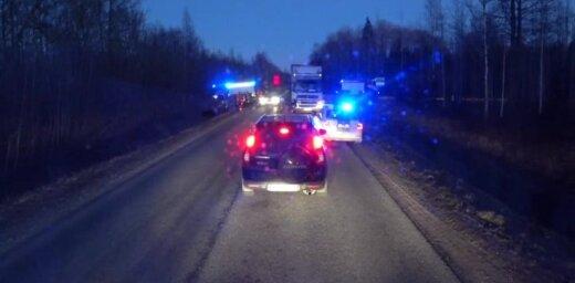 Video: Limbažu novadā avarē divi auto