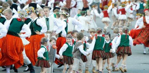 Simtgades Dziesmu un deju svētku biļetes sāks tirgot 2018. gada janvārī