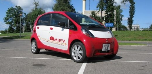 'DELFI Auto' izmēģina 'Mitsubishi i-MiEV' elektromobili