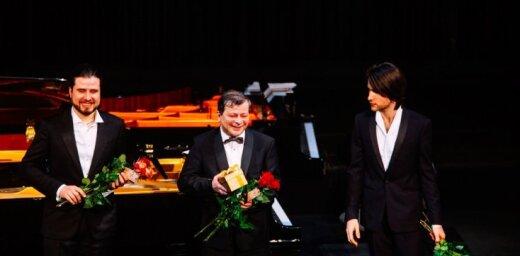 Foto: Trīs izcili pianisti no vienas dinastijas – koncerts 'Trīs Osokini operā'