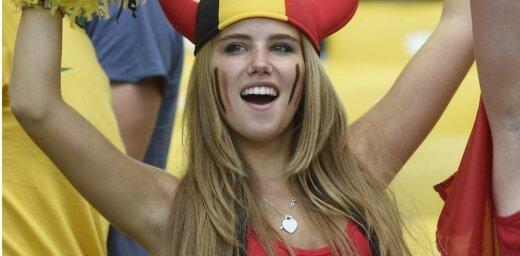 L'Oreal разорвал контракт с бельгийской болельщицей после фото с газелью
