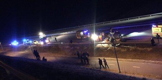 Автомобиль из Латвии попал в тяжелое ДТП в Эстонии: погибла 10-летняя девочка