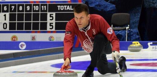 Latvijas kērlingistiem trešā uzvara pasaules čempionātā jauktajām komandām