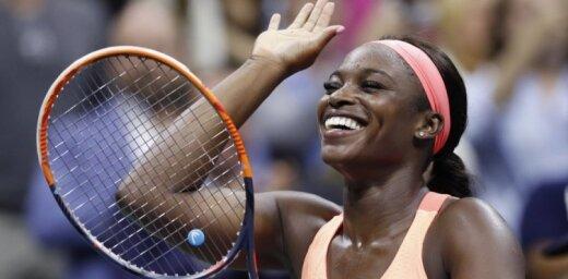 Stīvensa debijā WTA sezonas noslēguma turnīrā uzvar 'US Open' čempioni Osaku