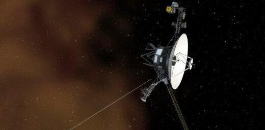 'Voyager 1' pēc 37 gadu pauzes uz brīdi iedarbina dzinējus