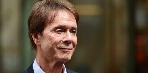 Певец Клифф Ричард отсудил у Би-би-си 210 тысяч фунтов за вторжение в личную жизнь