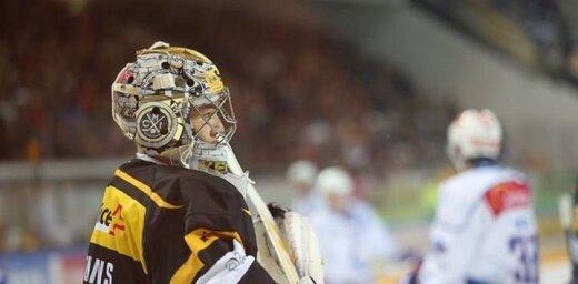 Merzļikina un Ķēniņa komandas gūst panākumus Šveices hokeja čempionāta spēlēs