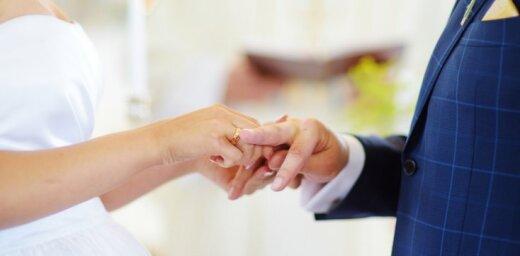 Pētījums: Precības samazina risku kļūt par alkoholiķi