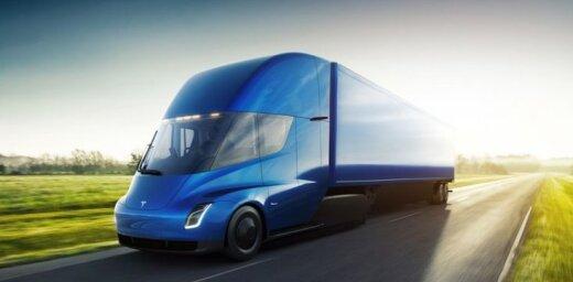 'Tesla Semi' kravas vilcējs: piecās sekundēs līdz simtam un 805 km bez atkārtotas uzlādes