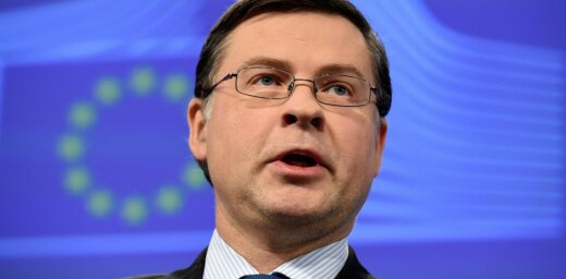 """Домбровскис: ЕС надо защищать против """"альтернативных фактов"""""""