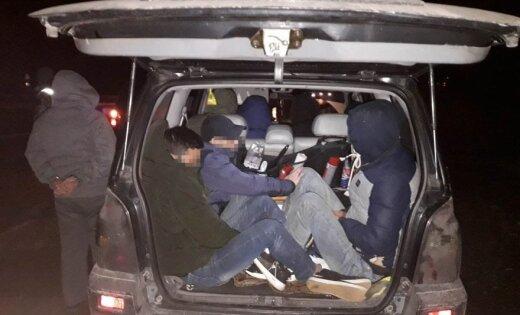 В Литве задержали двух граждан Латвии, перевозивших нелегалов из Вьетнама