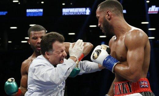 Боксер ударил судью вбою затитулы чемпиона мира сДигейлом