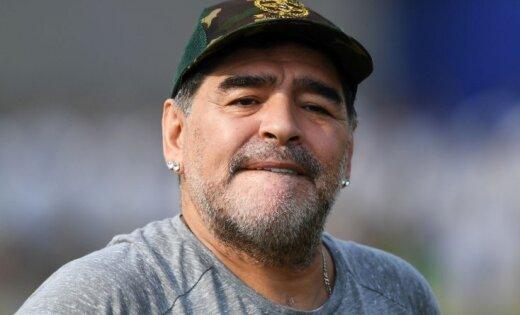 Maradona kļuvis par futbola kluba padomes priekšsēdētāju Baltkrievijā