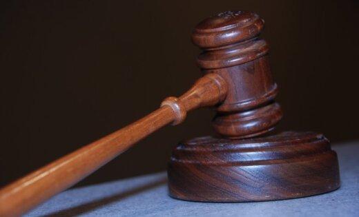 Tiesu izpildītājiem liegs rīkoties ar skaidru naudu; depozītu konti būs jāatver Valsts kasē