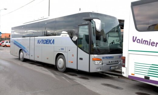 Автобусы Nordeka на дорогах Латвии: очевидцы беспокоятся о безопасности пассажиров (+ видео)