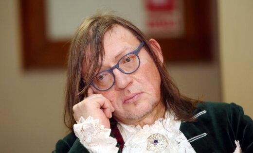 Juris Kulakovs pašķīries no mīļotās un atradis jaunu mūzu