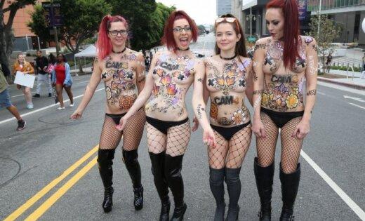 Foto: Losandželosā noticis ikgadējais 'Padauzu gājiens'