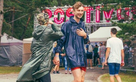 Pliks un laimīgs jeb Ko šogad vilks mugurā 'Positivus' apmeklētāji