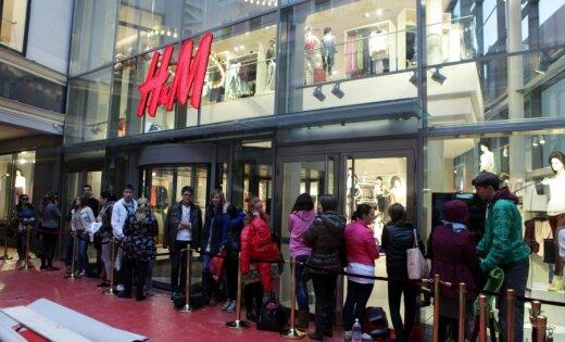 'H&M' darbu Rīgā sāk ar pamatīgu pircēju ažiotāžu
