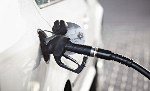 Полиция задержала двух мужчин за кражи бензина на АЗС