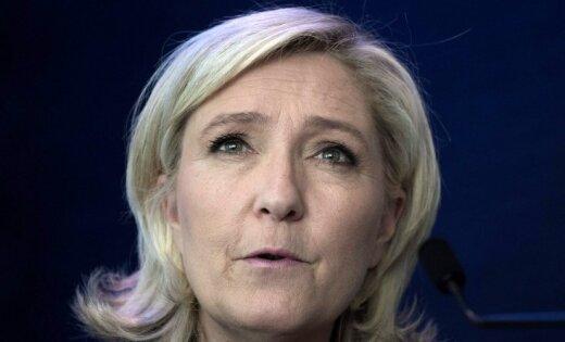 Lepēna pēkšņi maina uzskatus par ES un eirozonu