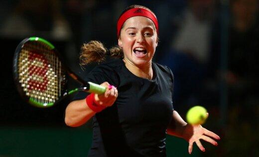 Остапенко и Севастова выиграли первые матчи на турнире в Риме