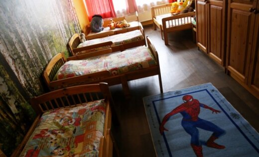 Foto: Kā dzīvo skandālā ierautā Jelgavas bērnunama bērni