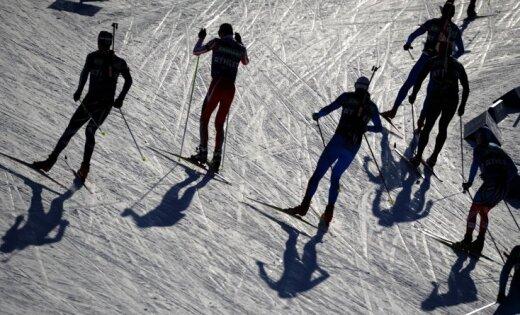Stafetes laikā Rūpoldingā samaņu zaudējis Zviedrijas izlases biatlonists