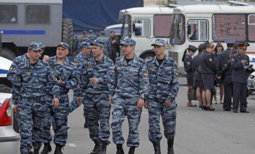 Uz Krievijas opozīcijas 'Miljonu gājienu' Maskavā ieradušies ap 8000 cilvēku