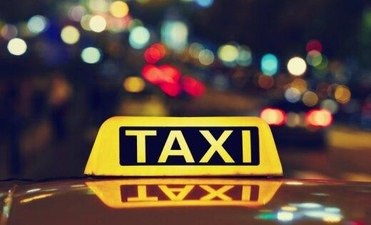 Piedāvājums kopā pavadīt vakaru un aizraujošas zināšanas – 'Delfi' lasītāji stāsta par taksometros piedzīvoto