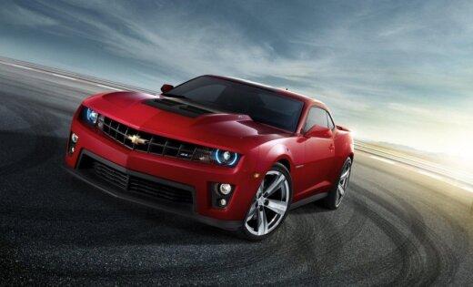 Битва в американском стиле— Camaro против Mustang