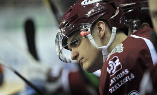 ИИХФ отберет у латвийского хоккеиста Павлова диплом за 8-е место