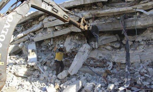 Sīrijā pēc sprādziena ieroču noliktavā bojā gājuši 39 civiliedzīvotāji