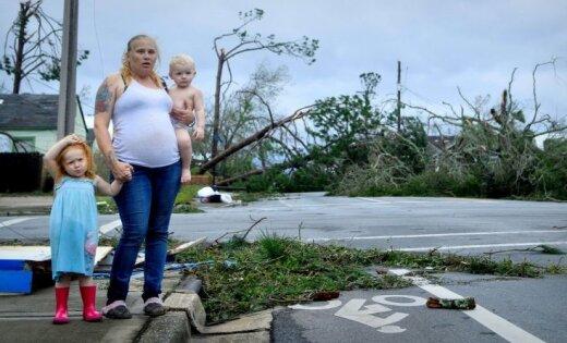 """ФОТО: На Флориду обрушился ураган """"Майкл"""""""