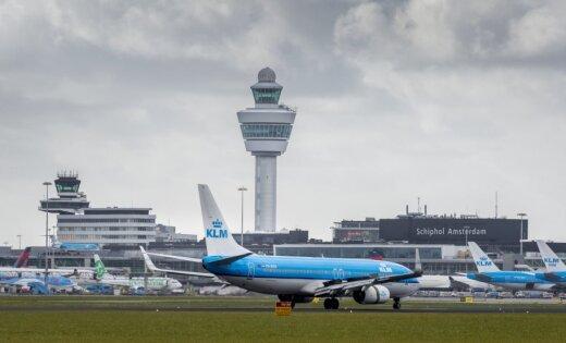 ВИДЕО: В аэропорту Амстердама в самолет при взлете угодила молния