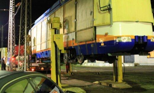 Daugavpilī testus uzsāk pirmais jaunais tramvajs