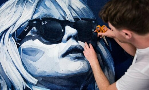 Mākslas projekts: 'Džinsa pavēlnieks' - māksla no biksēm