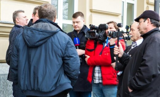 """Ощущение белоэмигрантских посиделок. Что """"враги путинского режима"""" и российские журналисты не поделили в Литве"""