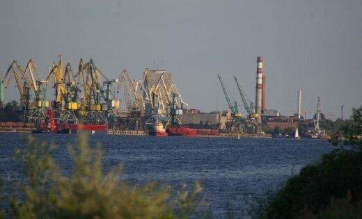 Rīgas ostā notikusi ķīmiskā avārija; evakuēti Voleru, Kundziņsalas un Krēmeru iedzīvotāji (10.40)